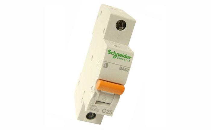 Автоматический однополюсный выключатель Schneider 25 ампер.